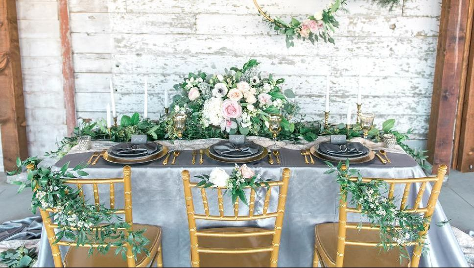 Styled wedding reception table at Maan Farms